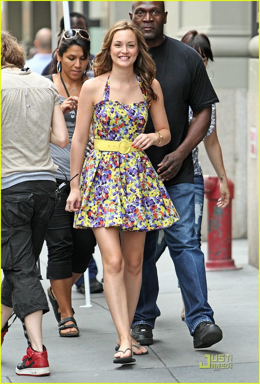 SparkLife » How to Dress Like...Blair Waldorf
